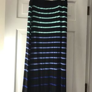 Long skirt in a jersey fabric.